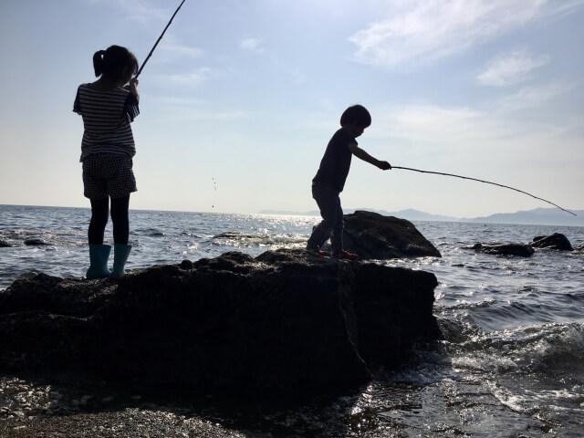 子供の釣りシルエット