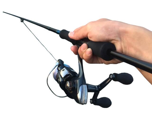 釣竿とスピニングリール