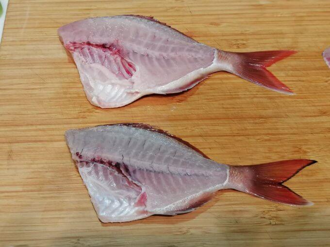 真鯛とチダイの半身