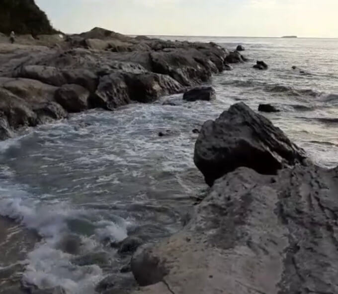 キャンプマナビス海サイト磯